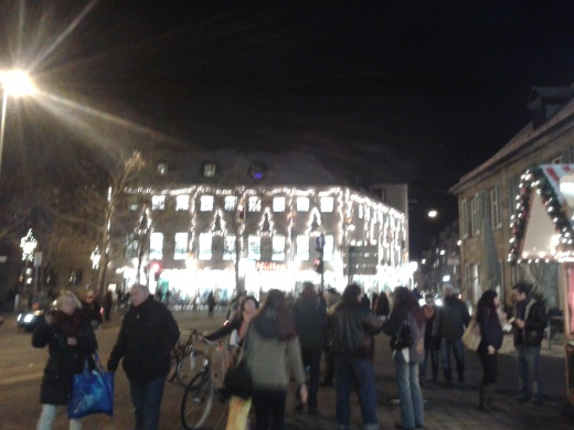 ถนนหน้า Arcaden ที่ Erlangen